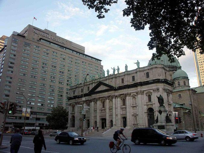 800px-Le_Reine_Élizabeth_(hôtel),_Montréal_2005-09-02
